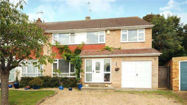 4 Bedrooms Semi Detached House for sale in Clewer Park, Windsor, Berkshire