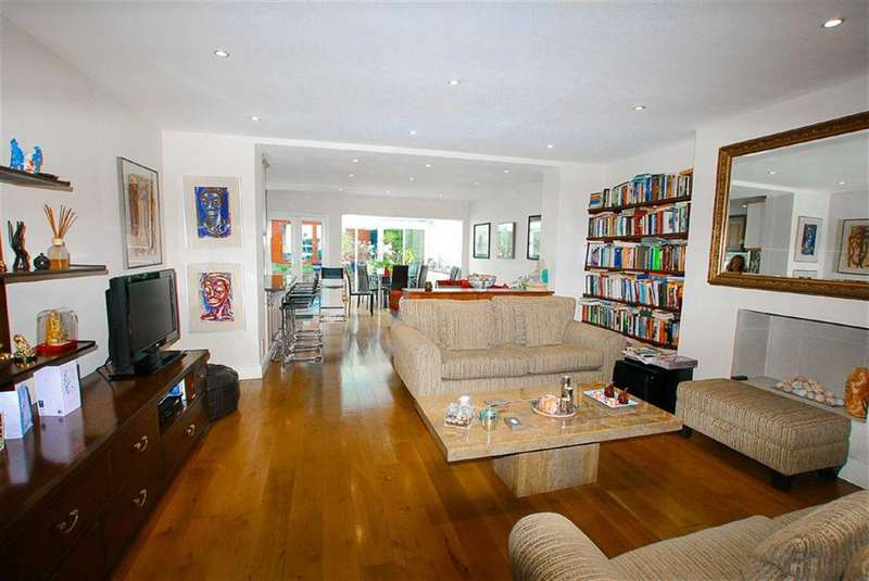 3 Bedrooms Property for sale in Buckland Crescent, Swiss Cottage, London