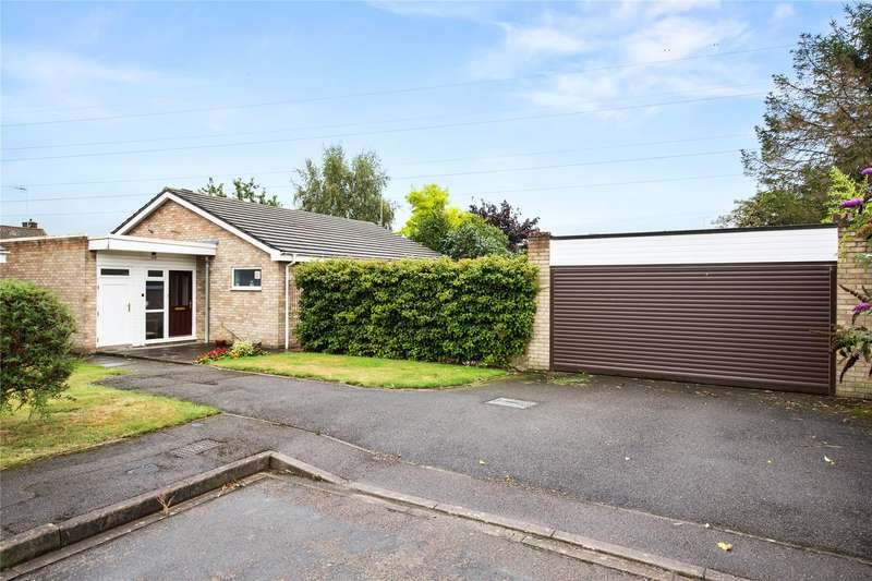 3 Bedrooms Detached Bungalow for sale in Elm Tree Close, Byfleet, Surrey, KT14