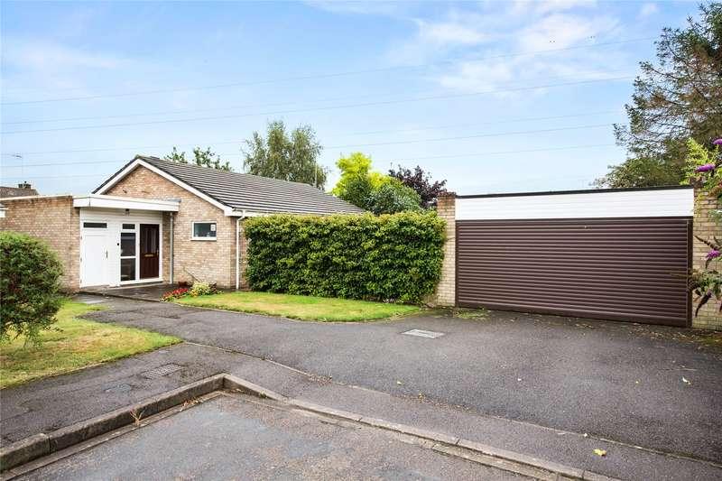 3 Bedrooms Detached Bungalow for sale in Elm Tree Close, Byfleet, Surrey, KT14