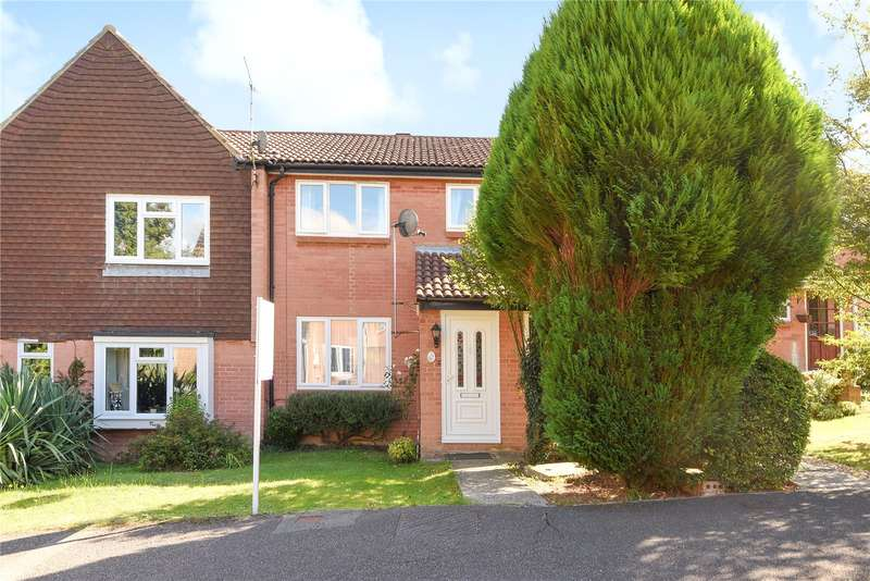 3 Bedrooms Terraced House for sale in Linnet Walk, Wokingham, Berkshire, RG41