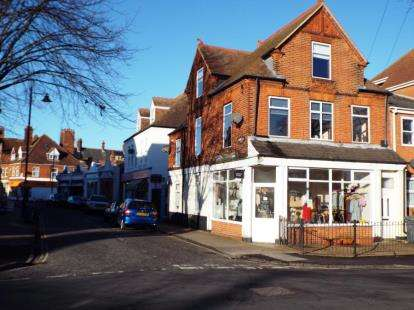 2 Bedrooms Flat for sale in Felixstowe, Suffolk