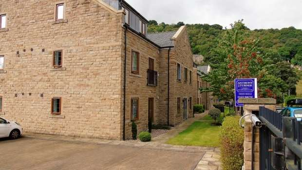 2 Bedrooms Apartment Flat for sale in Spring Grove Hebden Bridge
