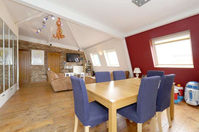 2 Bedrooms Penthouse Flat for sale in Morris Road, Poplar, London, E14 6NJ