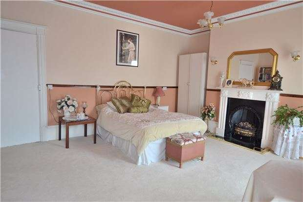 5 Bedrooms Terraced House for sale in Worcester Street, GLOUCESTER, GL1 3AG
