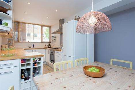 3 Bedrooms Flat for sale in Dyne Road, London NW6