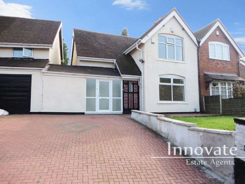 3 Bedrooms Semi Detached House for sale in West Bromwich Road, Walsall