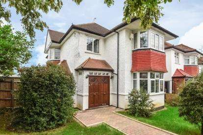 4 Bedrooms Detached House for sale in Selvage Lane, Mill Hill, London