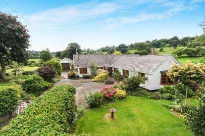3 Bedrooms Bungalow for sale in Llanrhaeadr, Denbigh, Denbighshire, North Wales, LL16