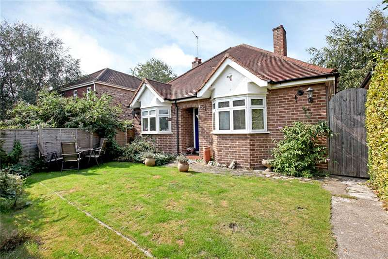 2 Bedrooms Detached Bungalow for sale in Sandy Way, Woking, Surrey, GU22