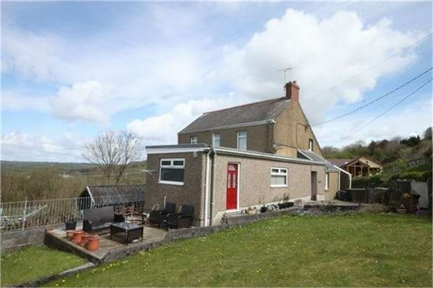 3 Bedrooms Semi Detached House for sale in Old Shop, Mynyddygarreg, Kidwelly, Carmarthenshire