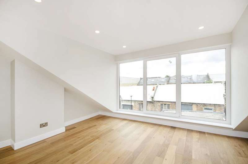 2 Bedrooms Flat for sale in Valliere Road, Kensal Rise, NW10