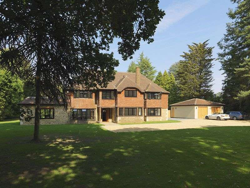 5 Bedrooms Detached House for sale in Mark Way, Godalming, Surrey, GU7