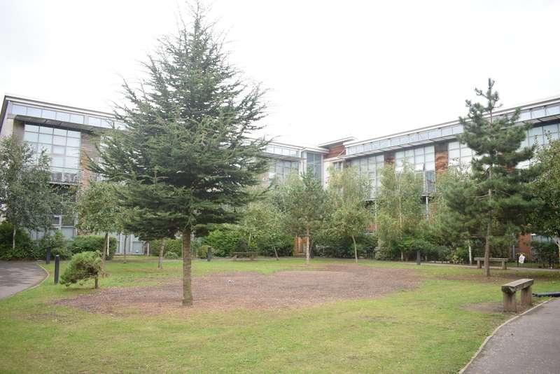 2 Bedrooms Flat for sale in Slough - Large 2 bed split level maisonette