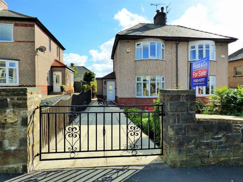 2 Bedrooms Semi Detached House for sale in Briercliffe Road, Burnley
