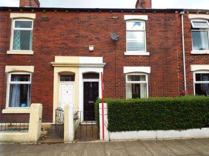2 Bedrooms Terraced House for sale in Mayflower Street, Millhill, Blackburn, Lancashire