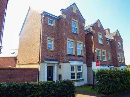 5 Bedrooms Detached House for sale in Lower Burgh Way, Chorley, Lancashire