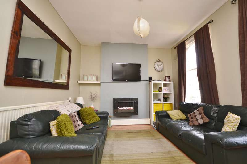 3 Bedrooms Apartment Flat for sale in Pakeman Street, Holloway, London, N7