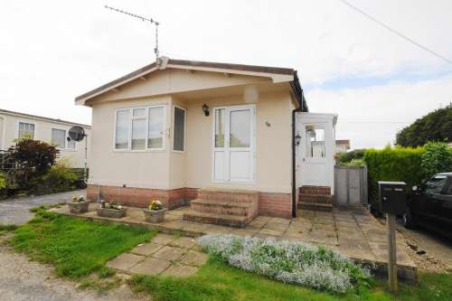 2 Bedrooms Detached House for sale in Lady Baily Park, Blandford