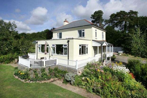 4 Bedrooms Detached House for sale in Longdown, Exeter, Devon