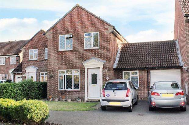 3 Bedrooms Link Detached House for sale in Fastnet Way, Littlehampton, West Sussex, BN17