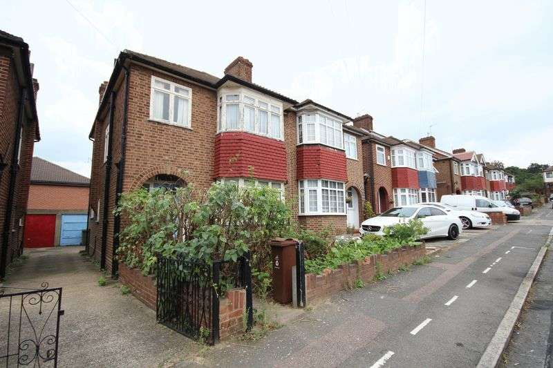 3 Bedrooms House for sale in Longacre Road, Walthamstow, E17