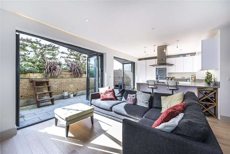 3 Bedrooms Mews House for sale in Bon Marche Mews, London, SE27