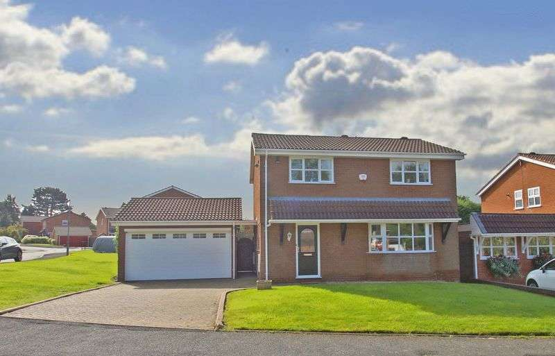 3 Bedrooms Detached House for sale in Merrill Gardens, Bromsgrove