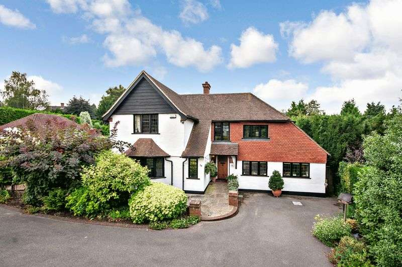 4 Bedrooms Detached House for sale in The Mount, Fetcham