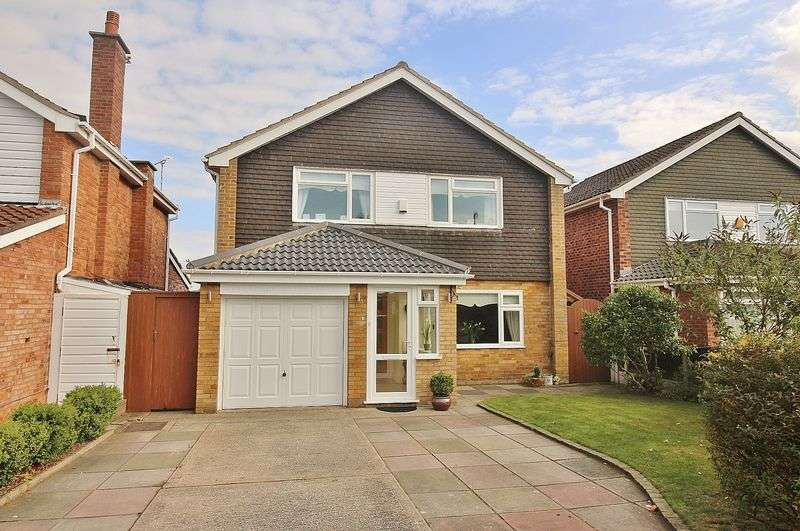4 Bedrooms Detached House for sale in Gleneagles Drive, Ainsdale