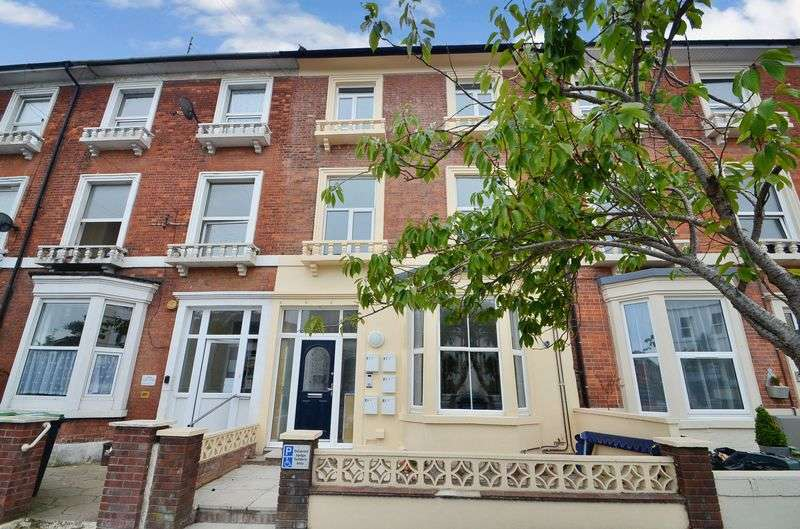 1 Bedroom Flat for sale in Dorchester Road, Weymouth