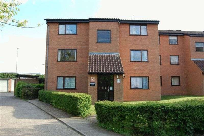 1 Bedroom Flat for sale in Valley Green, Hemel Hempstead