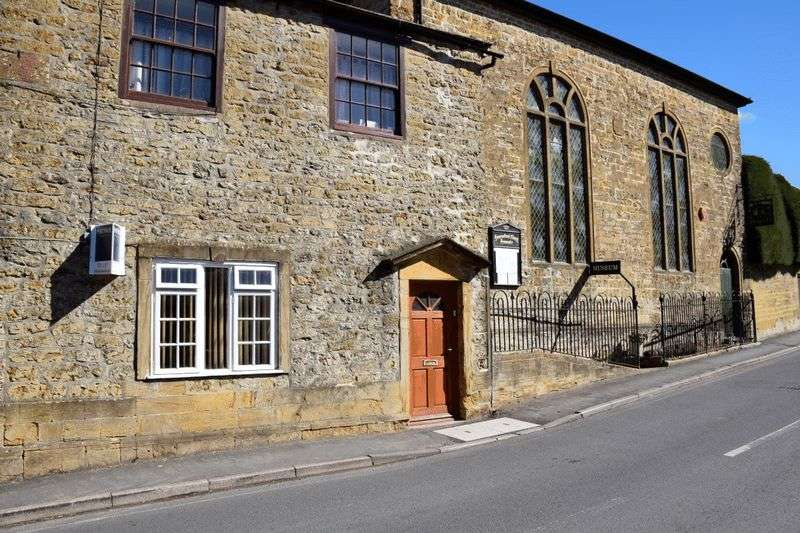 3 Bedrooms Flat for sale in 1 WHITCOMBE ROAD, BEAMINSTER