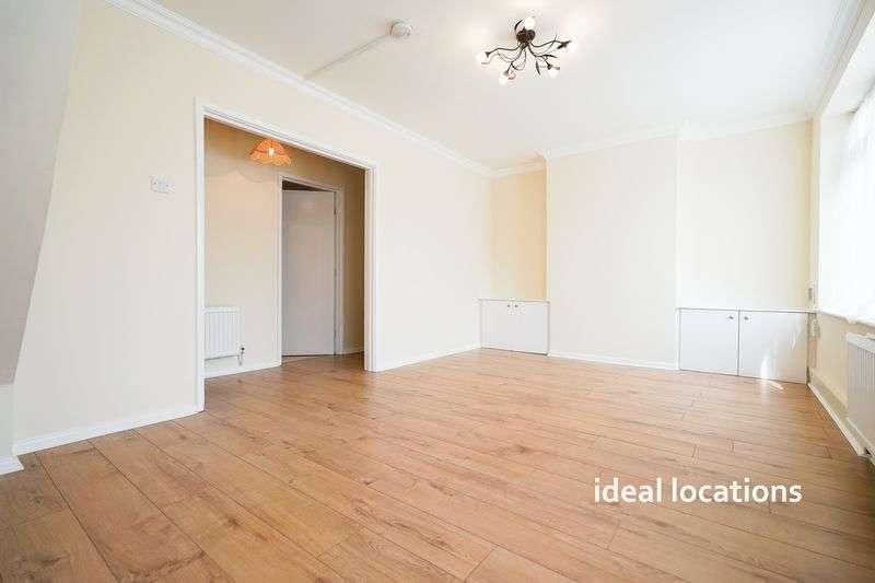 3 Bedrooms Flat for sale in 3 Bedroom Maisonette, Upminster Road South, Rainham