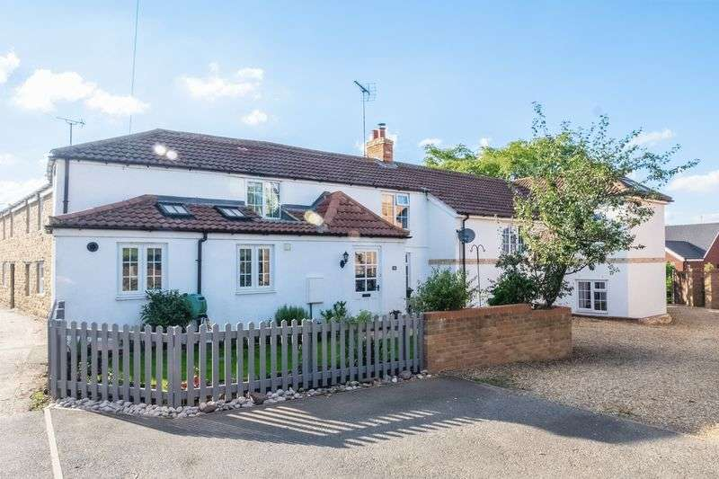 4 Bedrooms Semi Detached House for sale in Church Street, Ringstead