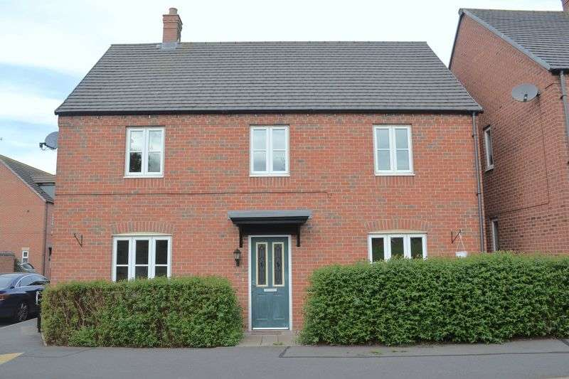 4 Bedrooms Detached House for sale in Arliston Drive, Swadlincote