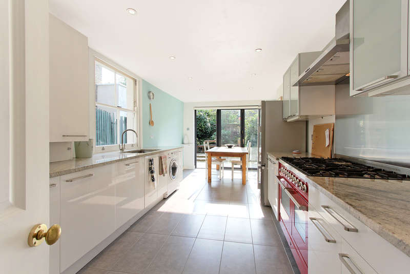 4 Bedrooms Terraced House for sale in Hubert Grove, Stockwell
