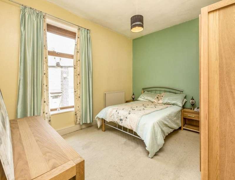 2 Bedrooms Property for sale in Cavendish Street, Darwen, BB3