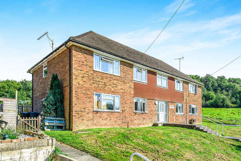 2 Bedrooms Flat for sale in Old Forge House Old Forge Lane, Horney Common, Uckfield, TN22