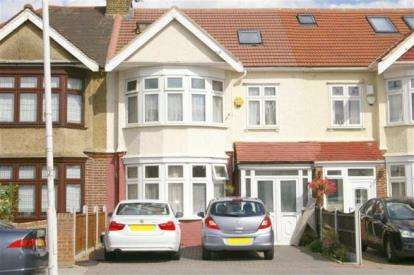 5 Bedrooms Terraced House for sale in Ilford