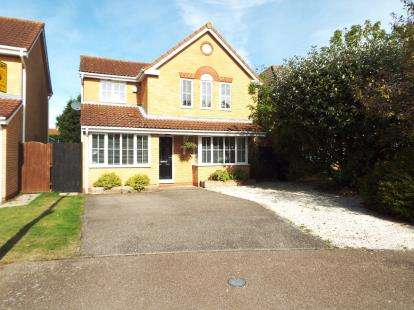 4 Bedrooms Detached House for sale in Coltsfoot, Biggleswade, Bedfordshire