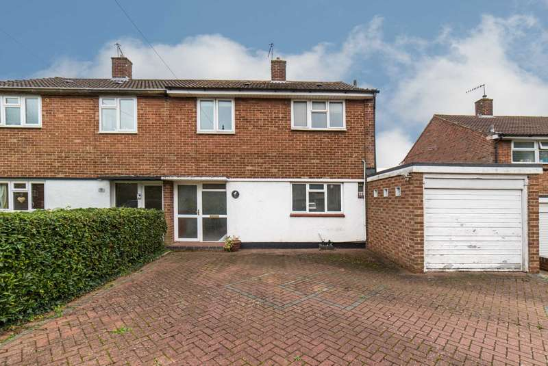 3 Bedrooms Semi Detached House for sale in Alldicks Road, Hemel Hempstead
