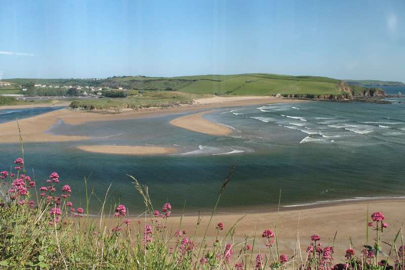 2 Bedrooms Flat for sale in 3 Avon Quillet, Folly Hill, Bigbury On Sea, Kingsbridge
