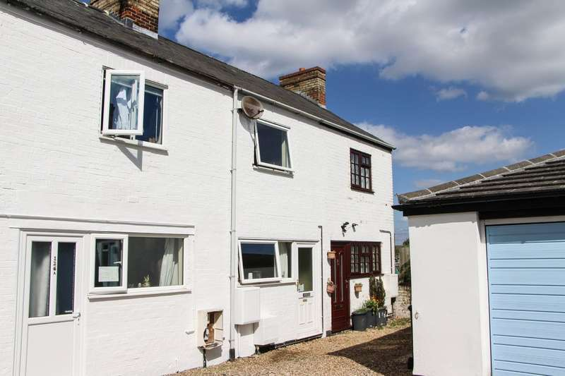 2 Bedrooms Terraced House for sale in Exning Road, Newmarket