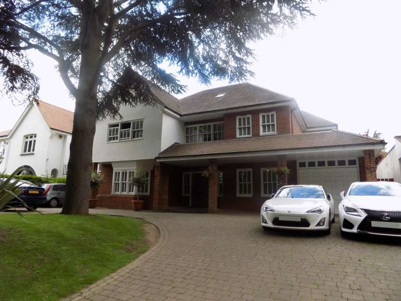 7 Bedrooms Detached House for sale in Wellington Road, Enfield, EN1