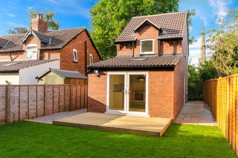2 Bedrooms Detached House for sale in Old Lincoln Road, Caythorpe, Grantham, NG32