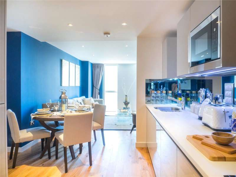 2 Bedrooms Flat for sale in Brackenbury Square, Hammersmith Grove, London, W6