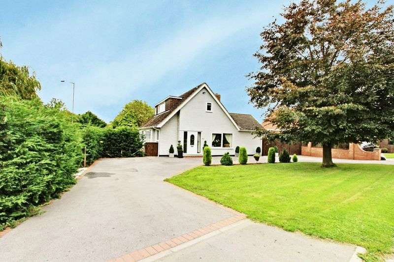 4 Bedrooms Detached Bungalow for sale in Hull Road, Beverley