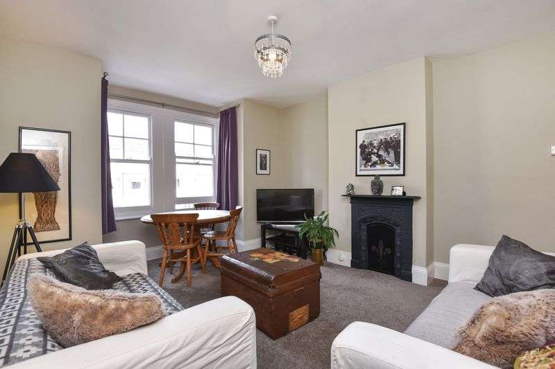 1 Bedroom Flat for sale in Close to Dorking train stations