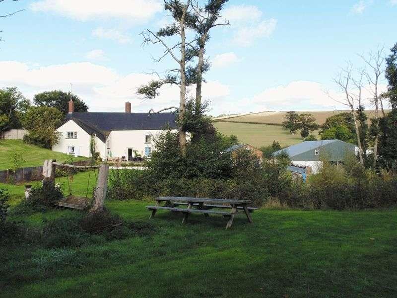 5 Bedrooms Detached House for sale in Drewsteignton